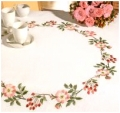 Emb Floral Wreath Cloth  85/85